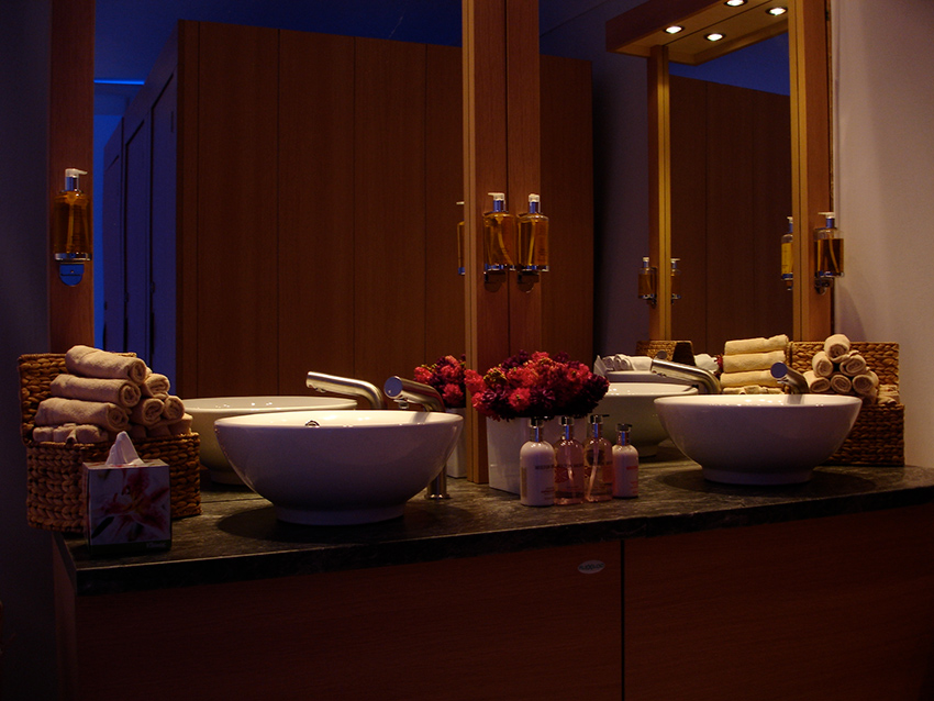 Low lit Flexiloo sinks for events