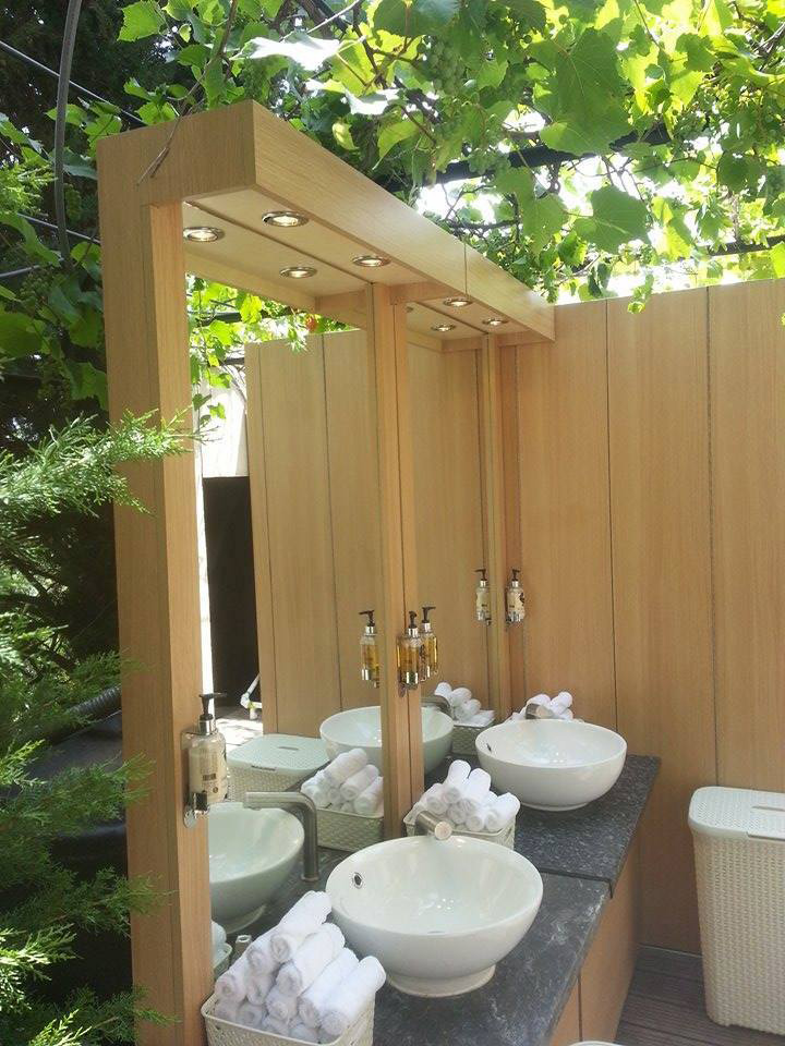Flexiloo sinks at outdoor event