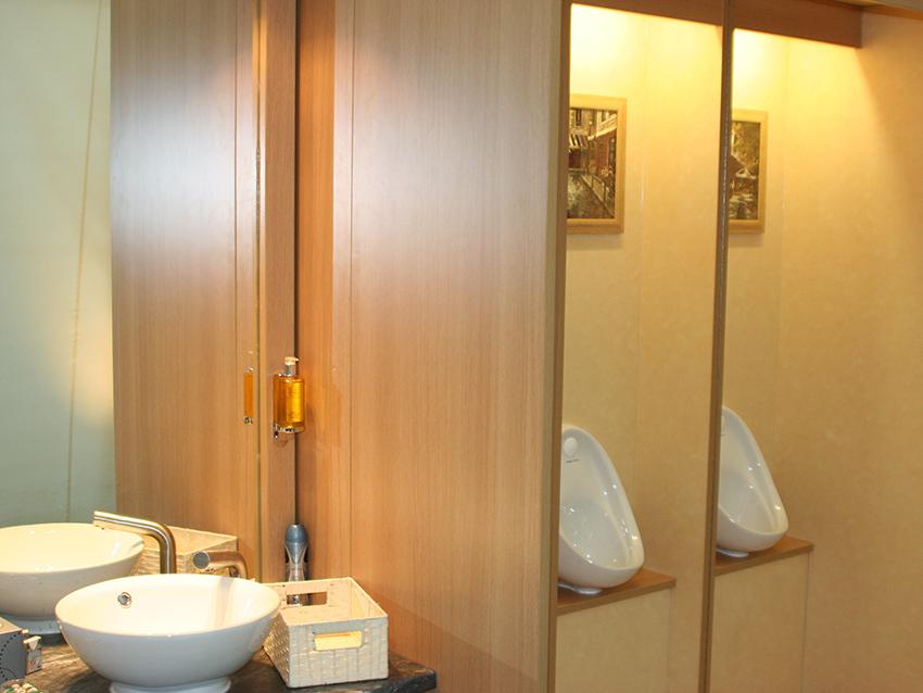 Flexiloo sink and urinals