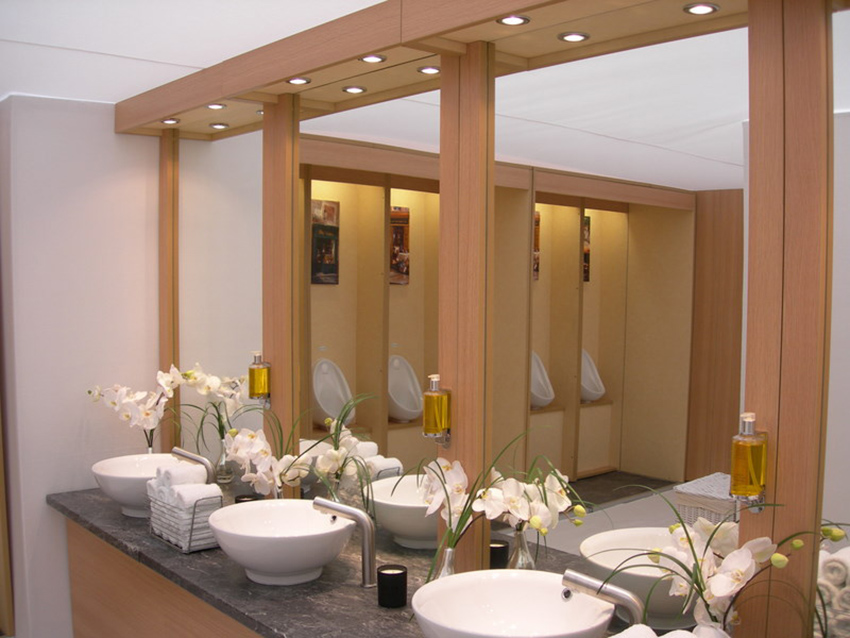 Flexiloo sinks and urinals